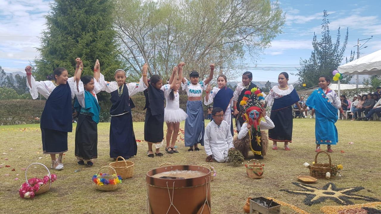 KULLA RAYMI, Fiesta ancestral, celebrada en las instalaciones de la sección Primaria.